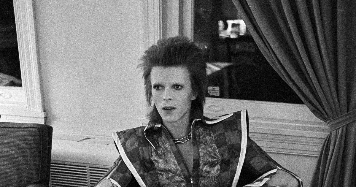 Photo of The irony of Barbie's David Bowie makeover