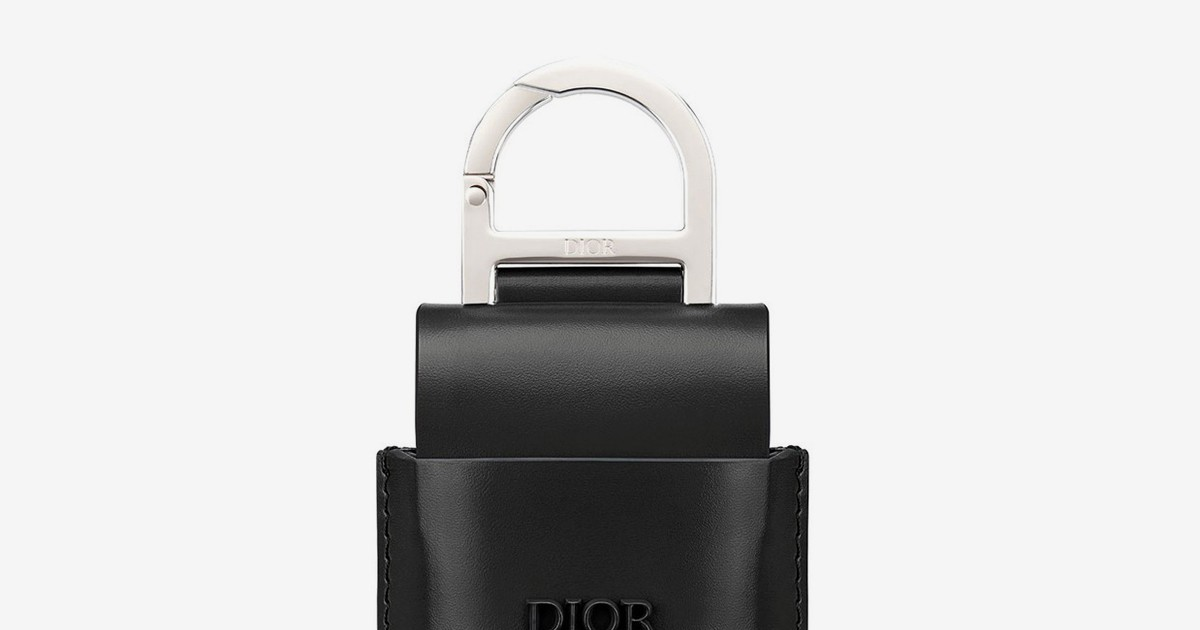 Photo of Dior's Leather AirPods Case Is a Legit Fashion Statement