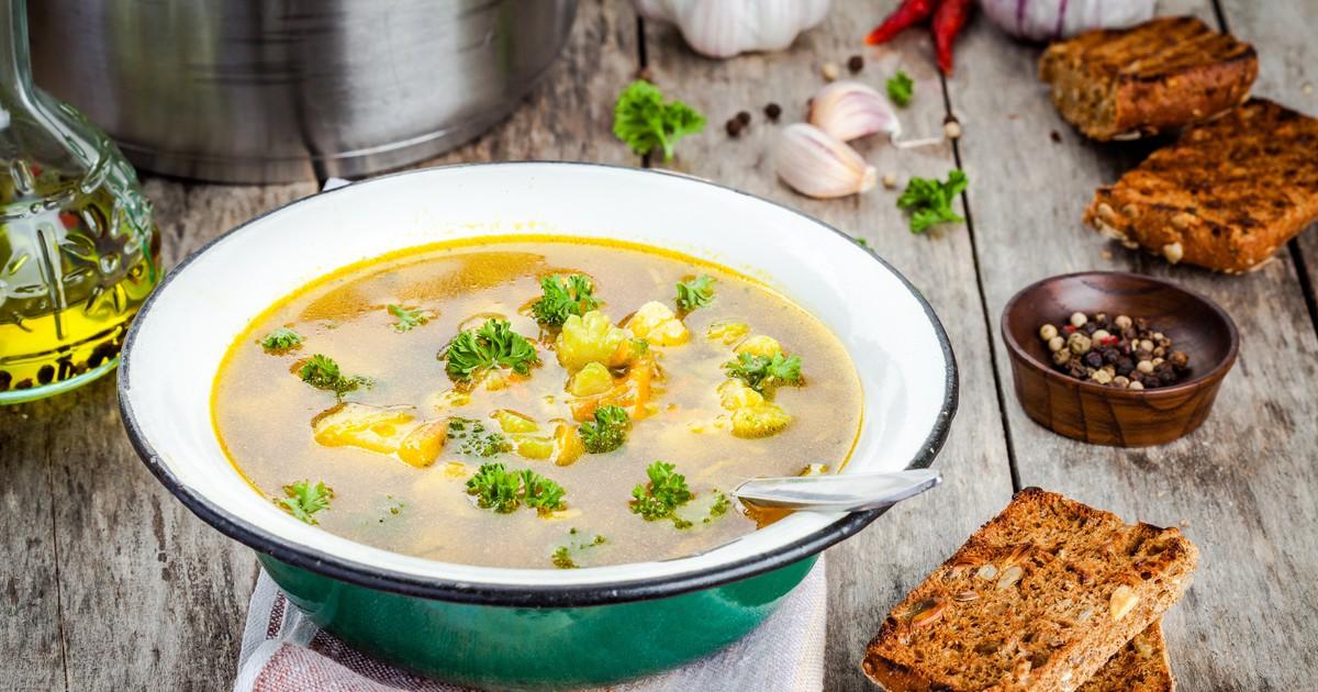 Фото Овощной суп из брокколи и цветной капусты