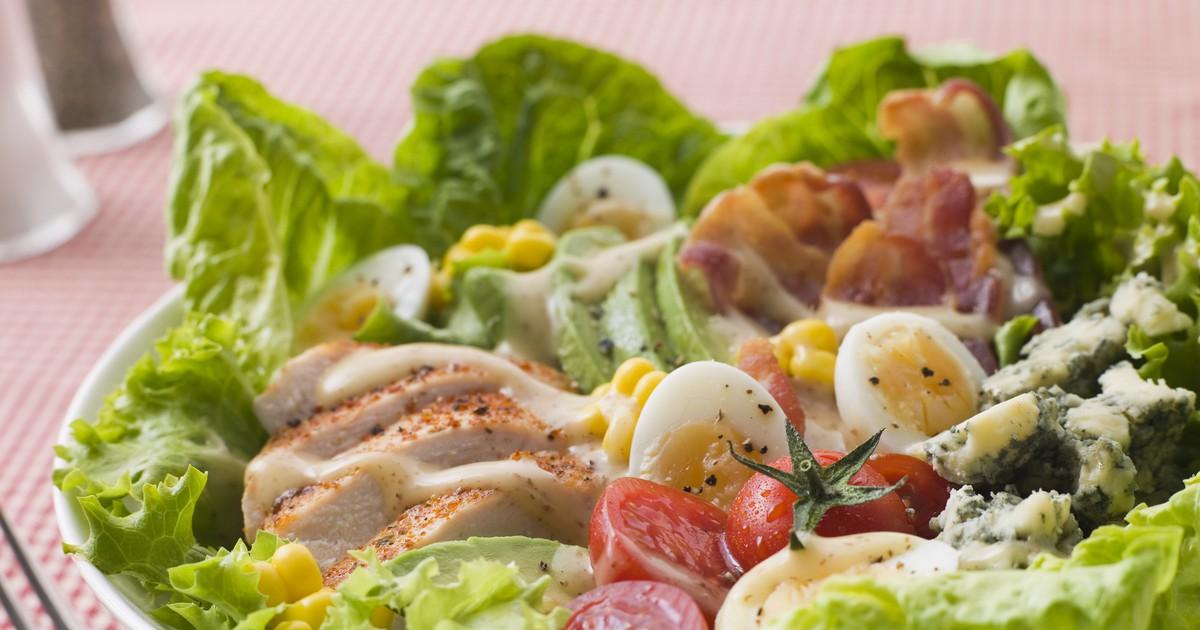 """Фото Американский салат """"Кобб"""""""