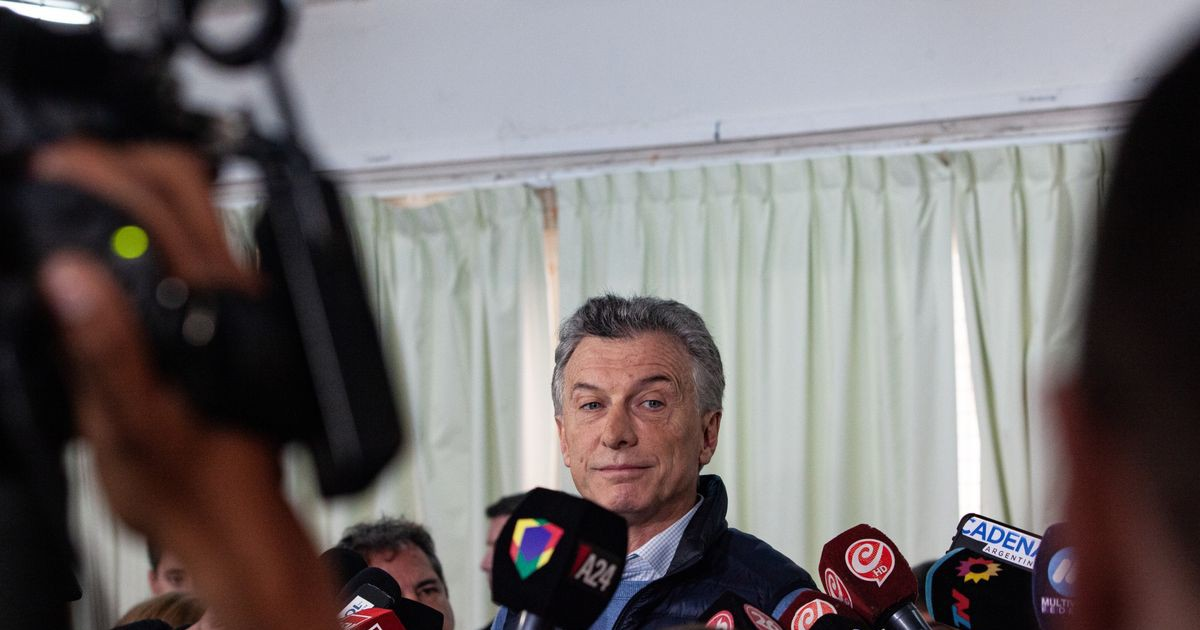 Photo of Macri's Shock Setback in Argentina Deals Blow to Re-Election Bid
