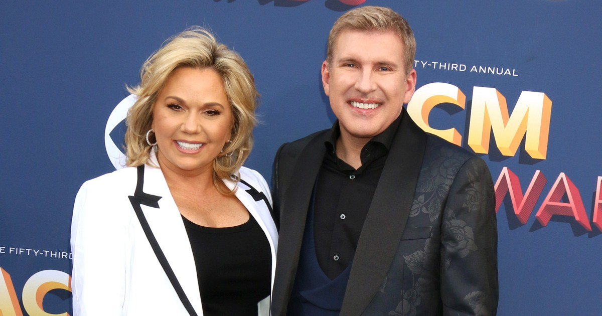 Photo of 'Bachelorette' Alum Robby Hayes Reportedly Working With Feds On Extortion Case Against Todd Chrisley