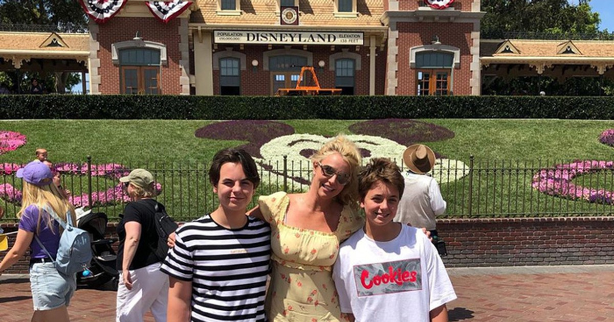 Photo of Britney Spears' Sons Get Restraining Order Against Grandfather Jamie As More Details Of Alleged Abuse Come Out