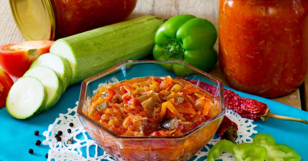 Фото Аджика из кабачков и томатов