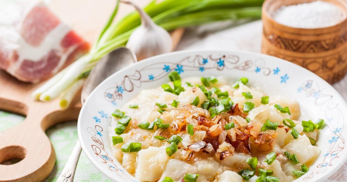 Фото Белорусский кулеш  - это густой суп, который отлично подойдет для сытного семейного обеда. Он получается невероятно ароматным и с насыщенным вкусом. Ваша семья оценит ваши старания.