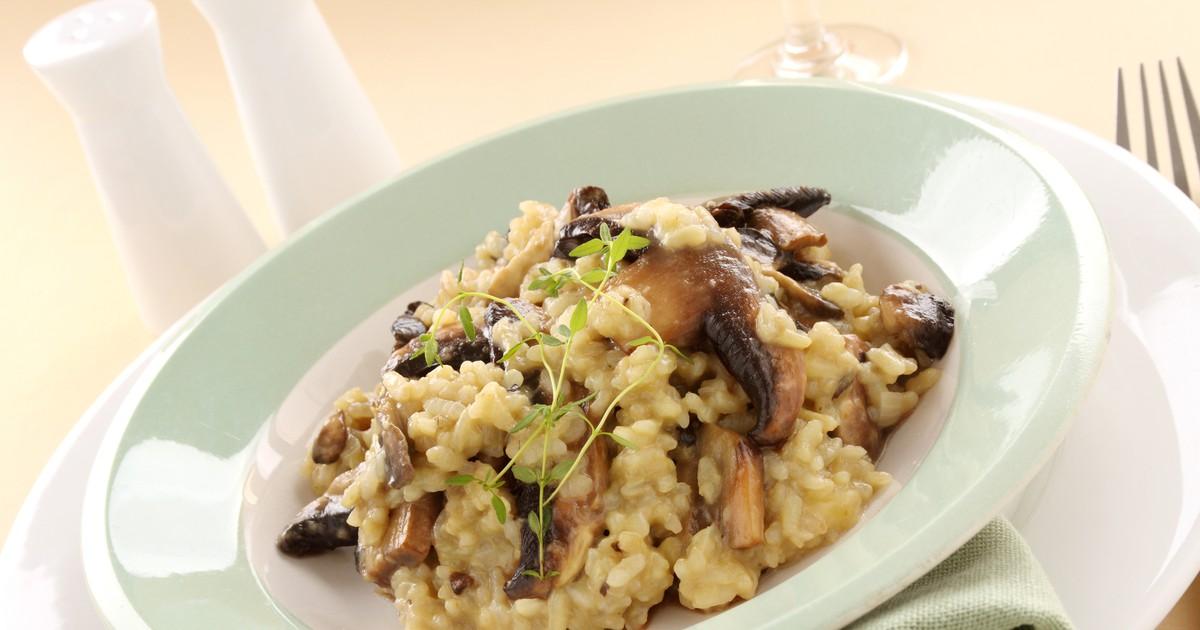 Фото Сегодня мы подготовили для вас рецепт грибного ризотто. Это блюдо получается очень нежным и вкусным. Вы перенесетесь в солнечную Италию и подарите наслаждение от этого блюда своей семье.