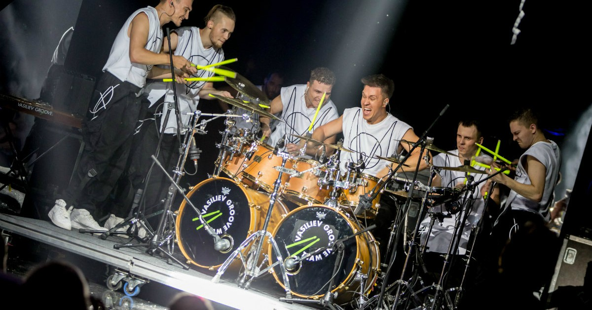 Фото Барабанщики Vasiliev Groove представят в Москве обновленное шоу MIRRORS