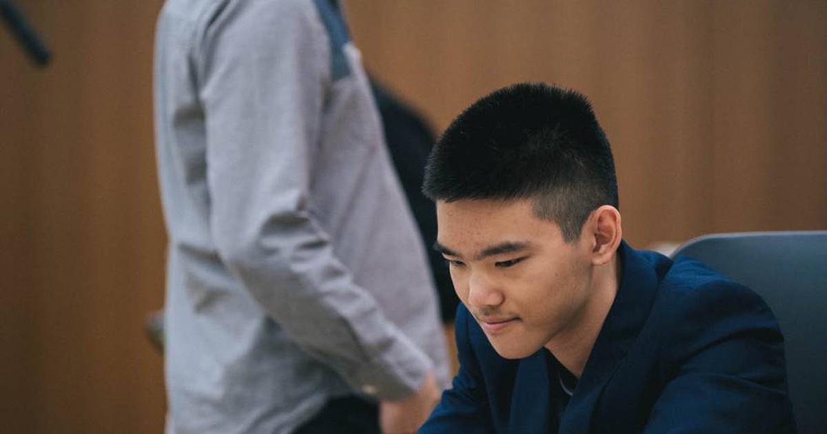 Photo of Xiong cae con todos los honores