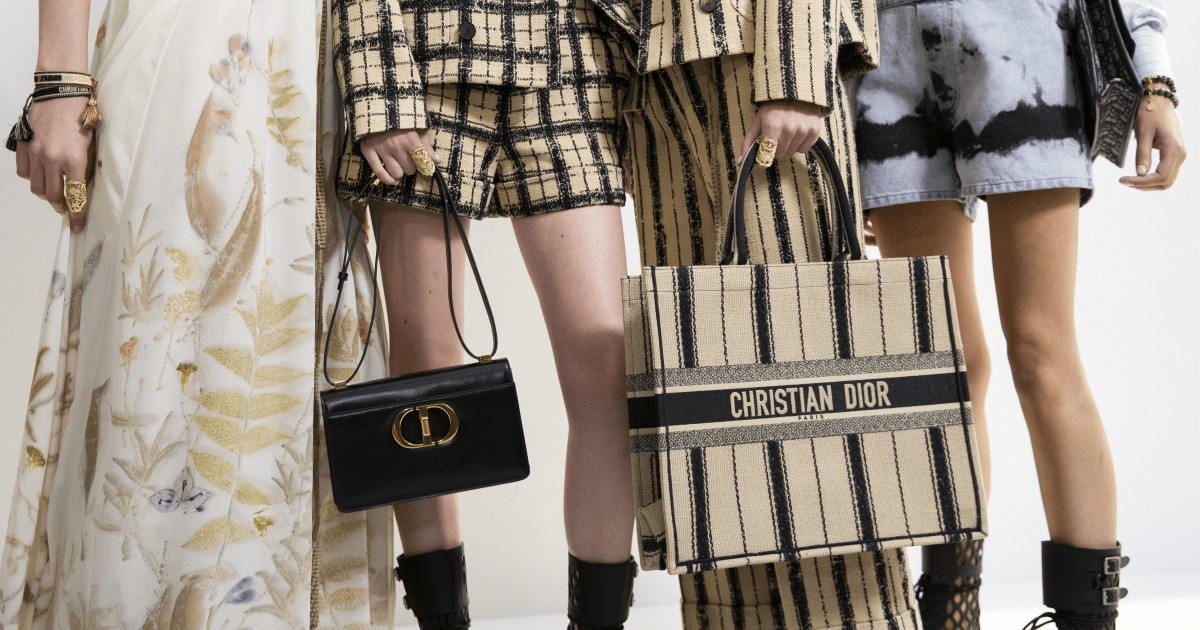 Photo of Fashionista's 43 Favorite Bags From the Paris Spring 2020 Runways