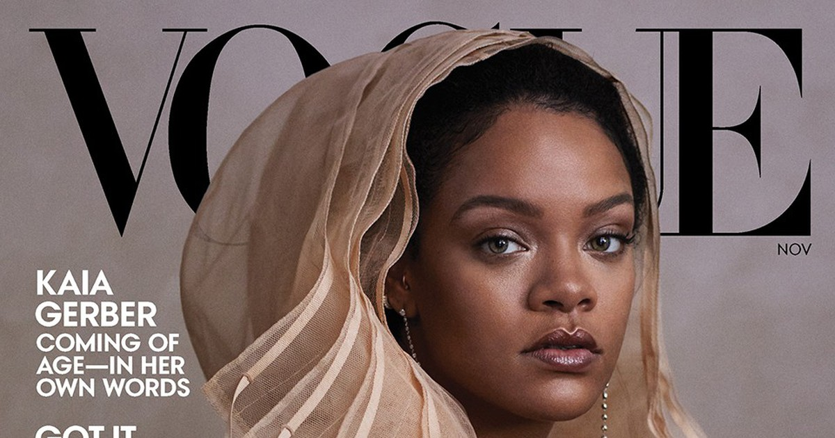 "Photo of Rihanna Says Trump Is the ""Most Mentally Ill"" Person in America in 'Vogue' Cover Story"