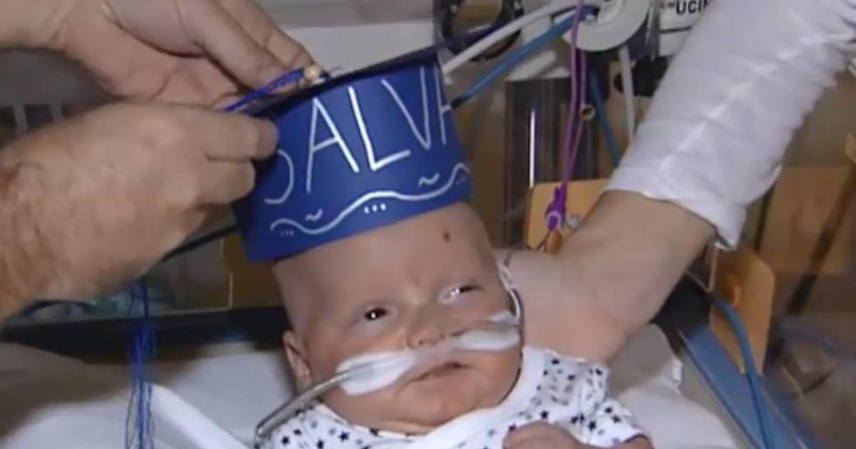 Photo of Salvador, el bebé que pesó 500 gramos al nacer, se 'gradúa' y abandona la UCI del Gregorio Marañón