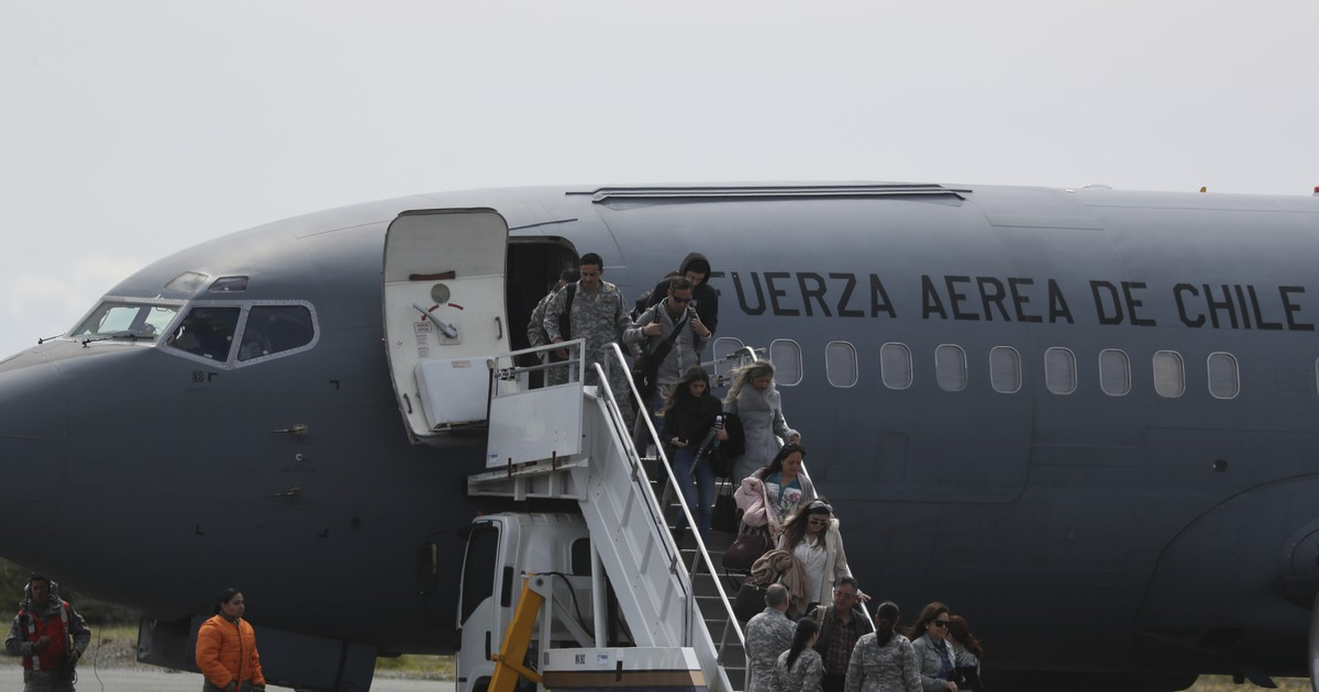 Photo of Chilean Air Force: Debris found in hunt for missing military plane