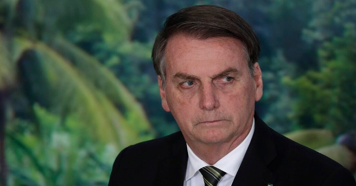 Photo of Brazil's president says journalist has a 'homosexual's face' at heated press conference