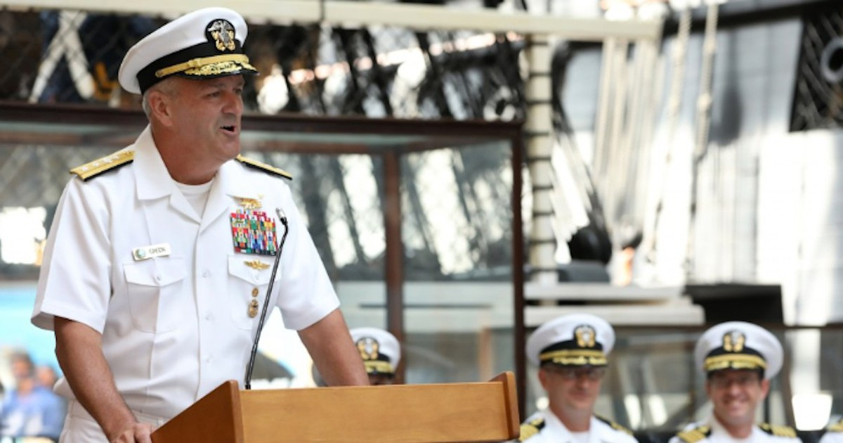 Photo of Top Navy SEAL commander to resign after apparent disagreements with Trump