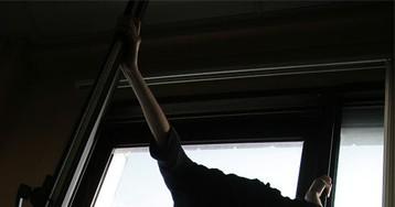 Подросток выпрыгнул из окна, оставшись без смартфона
