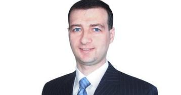 "Рубль не может укрепиться без роста цен на нефть, - Владислав Антонов,аналитик компании ""Альпари"""