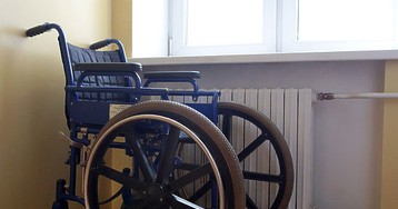 Чиновники пообещали сохранить спецшколы для детей-инвалидов
