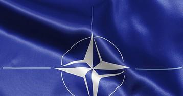 """НАТО увеличивает расходы на оборону впервые за 10 лет из-за """"российской агрессии"""""""