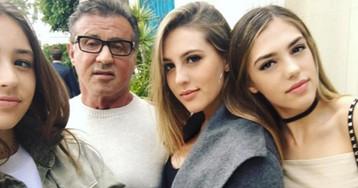 Три розы и один сорняк: Сильвестр Сталлоне и его очаровательные дочки