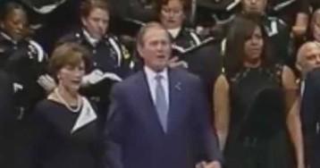 Джордж Буш-младший станцевал на панихиде по убитым в Далласе полицейским