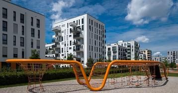 Детские площадки в новых районах Мюнхена. Хотели бы здесь играть?