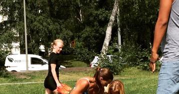 Весело и приятно: в Швеции полицейская в бикини задержала вора-карманника