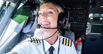 Обаятельный и привлекательный пилот Ryanair влюбила в себя пользователей Instagram