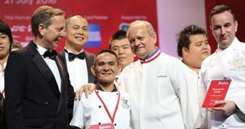 Сингапурский торговец уличной едой получил звезду Мишлен