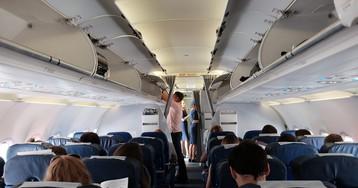 Маразм с запретом наушников в самолете