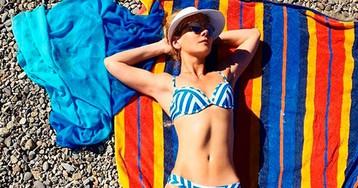 Богини в бикини: пляжные фото известных российских красавиц 40+
