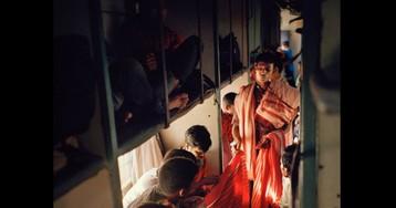 Яблоку негде в бочку с селедками упасть: суматошная жизнь индийских поездов