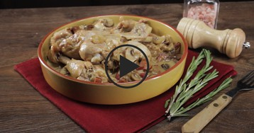 Курица в сливочном соусе с белым вином: видео-рецепт