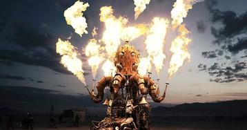 Изумительные фото с фестиваля Burning Man, мистического шоу огня посреди мёртвой пустыни