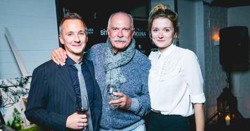 Михалковы, Бондарчук и Новиков на дне рождения ресторана Vаниль