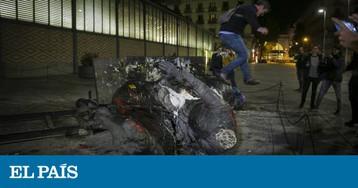 Derrubada a estátua de Franco instalada no Born de Barcelona