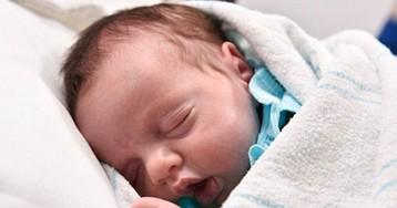 Родившаяся дважды: врачи достали ребенка из утробы, чтобы прооперировать и вернуть обратно