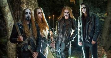 Casal convida integrantes de banda de metal para ensaio pré-casamento e viraliza na web