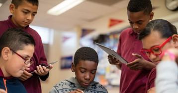 Ministro britânico afirma que escolas precisam equilibrar o uso de iPads pelos alunos