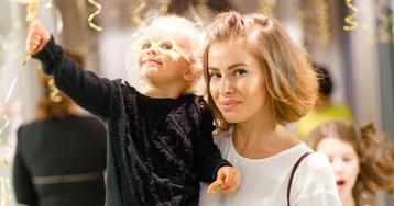 Тоня Худякова и другие звезды на новогодней елке в Vikiland