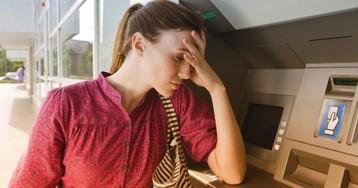Что делать, если банкомат зажевал деньги