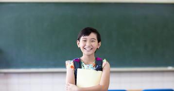 Китайцы снова удивляют: ихшкольники могут брать оценки вдолг!