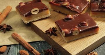 Видео-рецепт: печенье с нугой, шоколадом и орешками