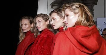 Джиджи и Белла Хадид, Кендалл Дженнер и другие звезды на показах второго дня Недели моды в Милане