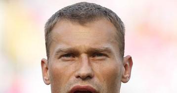 Защитник Василий Березуцкий ушел из сборной России по футболу