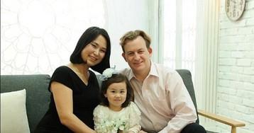Профессор из дома давал интервью BBC, а двое его детей превратили видео в хит