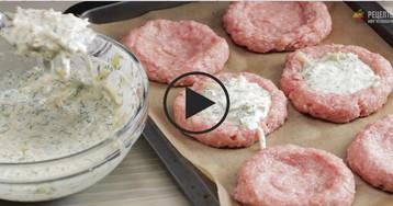 Гнезда из фарша с сыром: видео-рецепт
