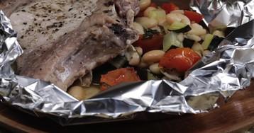 Свиная котлеты с белой фасолью и помидоров Черри: видео-рецепт