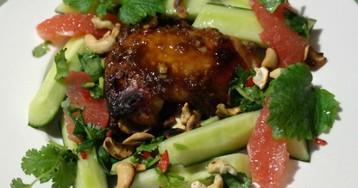 Куриные окорочка в устричном соусе с цитрусовым салатом