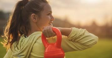 Гантели или гири: что выбрать для занятий в спортзале и дома