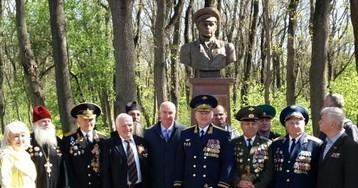 В Новороссийске открыли памятник генералу Василию Маргелову